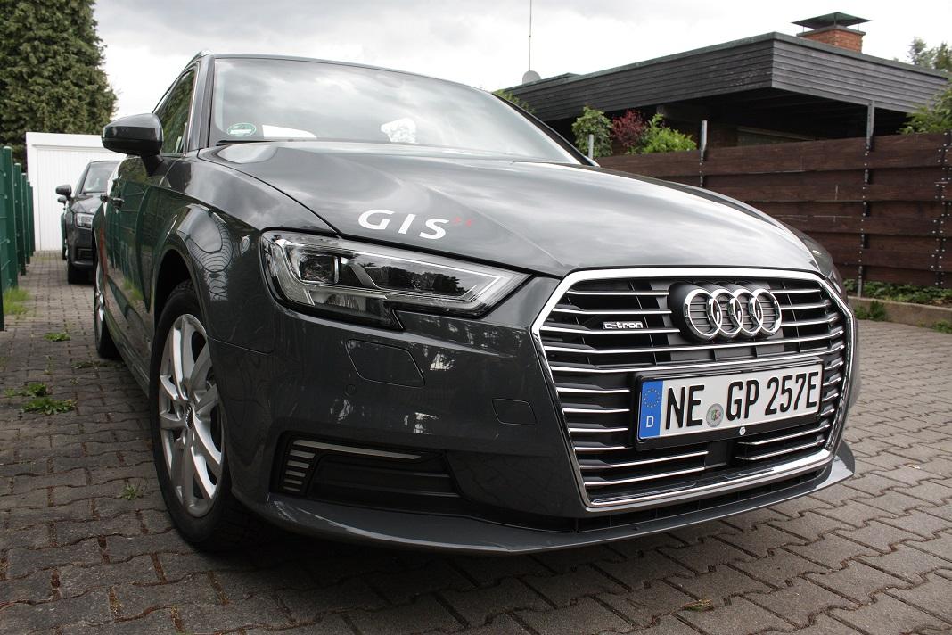 Audi A3 Sportback Hybrid GIS grau Metalic
