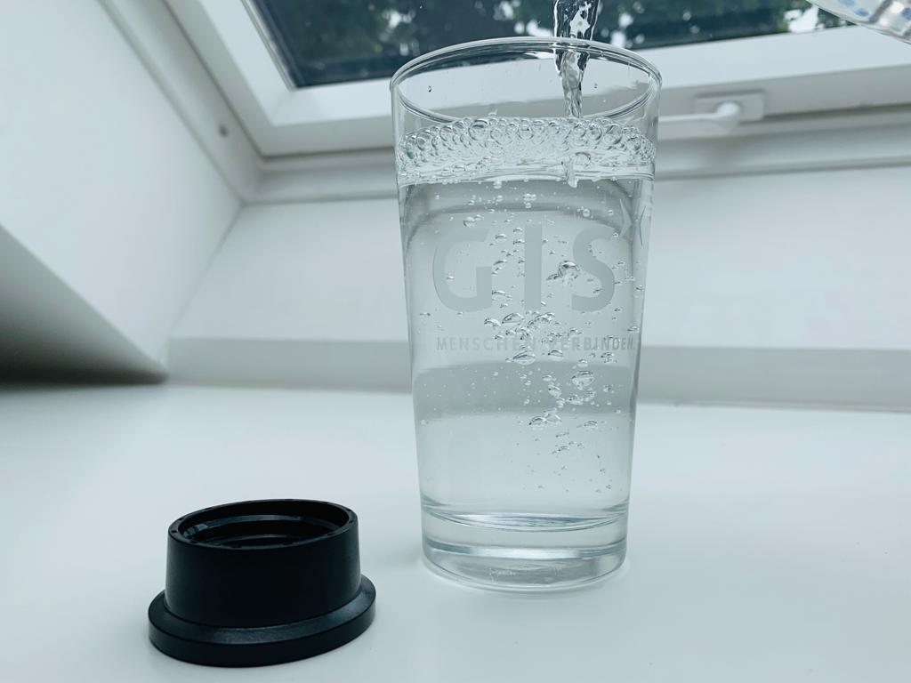 Glas Wasser Deckel Sprudelwasser